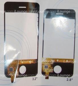 """2,8"""" Touchscreen im Vergleich zu einem zusätzlich produzierten 3,2"""" Touchscreen."""