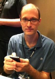 Charlie Miller hackt das iPhone 4