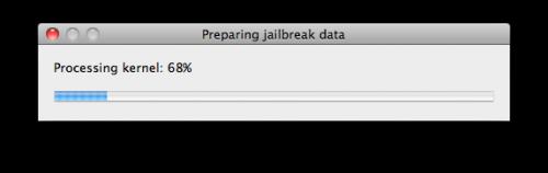 """Die Datei wird jetzt überprüft. Wenn der Prozess abgeschlossen ist, mit Klick auf """"Next"""" fortfahren. Redsn0w bereitet jetzt die nötigen Jailbreak-Daten vor."""