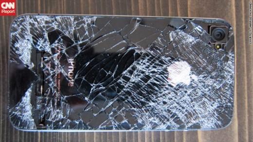 Das iPhone 4 nach seinem 4.000 Meter Fall
