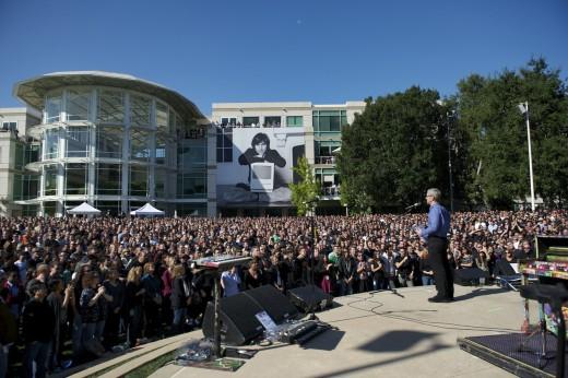 Apple-Mitarbeiter gedenken Steve Jobs' Leben