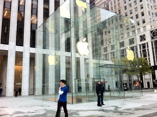 Der neue Glaswürfel des Fifth Avenue Apple Store, 15 Glaspanele