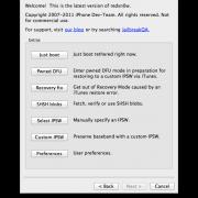 """3. Schritt: Redsn0w starten und über """"Extras"""" und """"Select IPSW"""" wählen. Unlocker sollten stattdessen """"Custom IPSW"""" wählen und den weiteren Anweisungen folgen. Hast du iOS 5.0.1. bereits am installiert, kannst du direkt am ersten Screen auf """"Jailbreak klicken"""" und zum nächsten Schritt vorspringen."""