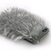 2. Ion Monster iPhone-Case mit Fell