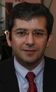 LiquidMetal Erfinder Dr. Atakan Peker: Legierung noch nicht bereit fürs iPhone 5