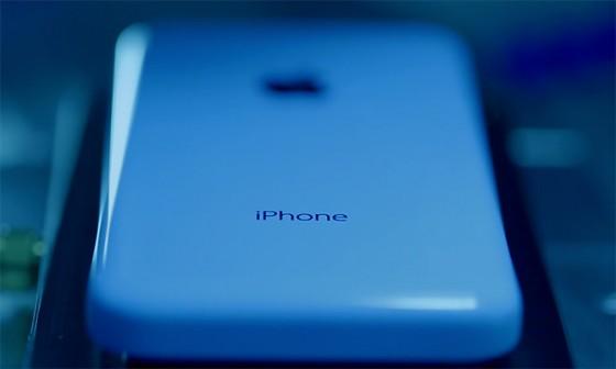 13.09.11-iPhone_5c_Build-1