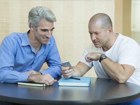 Jony Ive und Craig Federighi besprechen iOS 7