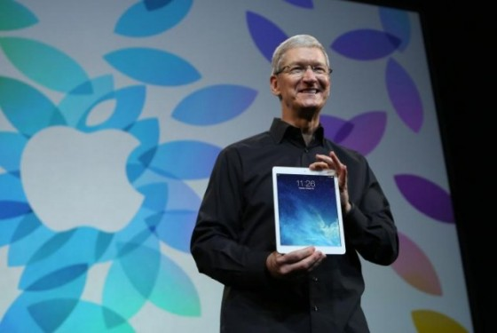 apple-tim-cook-ipad-air-642x430